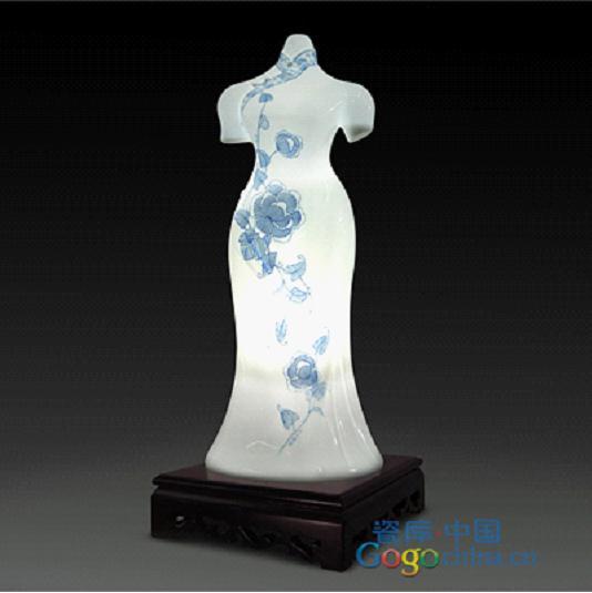 陶瓷艺术台灯,现华夏服饰之美